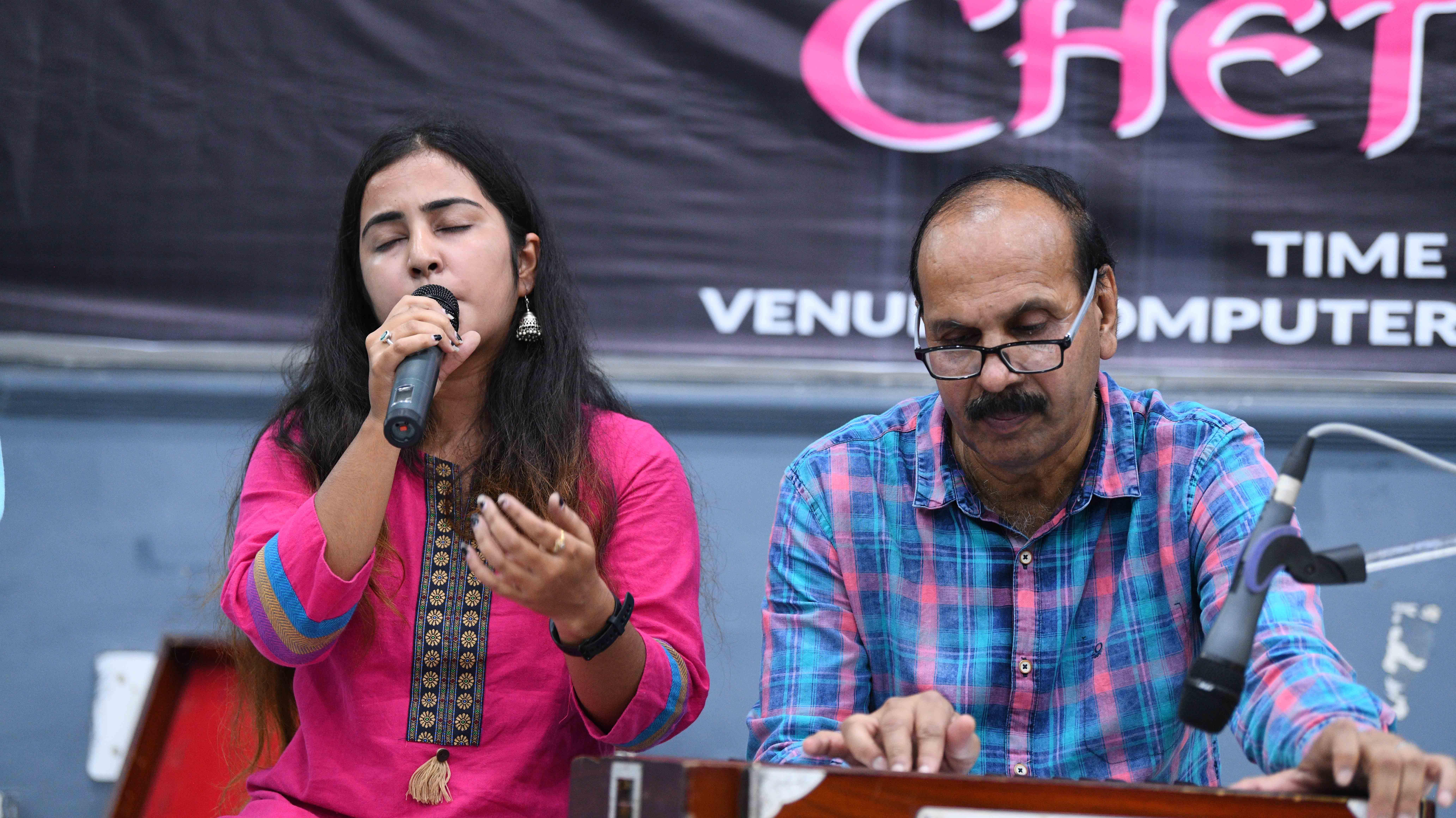 Cheten Di Lari Kunwar Viyogi Memorial Trust Free download hindi top songs sort by monthly and weekly. https kvmtrust com kunwar viyogi utsav 2019 cheten di lari
